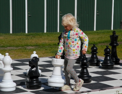 Sigulfjördur resident playing chess